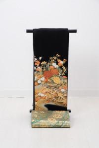 T-0007 ¥25,000 「梅や菊などの姿を表現した格調高い留袖」   大幅値下げ → ¥18,000
