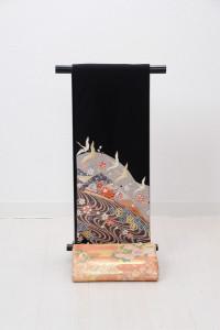 T-0008  ¥25,000 「抽象的な花柄と鶴が舞う様を描く」   大幅値下げ → ¥18,000