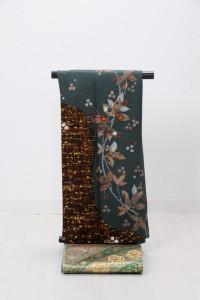V-0011 ¥25,000 「南天をあしらった現代風な着物」  大幅値下げ → ¥18,000